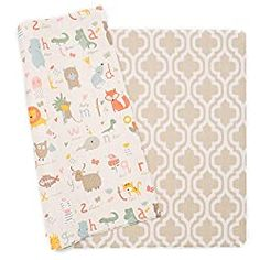 Baby Care makes the absolute BEST playmat for babies. Just let me tell you all the reasons why it's way better than those old school puzzle piece mats... #babyregistrymusthaves #playmat #baby Best Baby Play Mat, Baby Play Yard, Baby Play Areas, Kindergarten Mat, Baby Playroom, Room Baby, Baby Items For Sale, Foam Flooring, Moroccan Blue