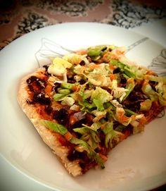 Delicious hamburgerpizza | Cheddar, salad, thousand island dressing, red onions! www.korianteri.fi
