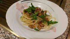spaghetti noci rucola e parmigiano