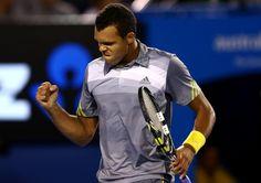 Jo-Wilfred #Tsonga winning a point against #Federer. #ausopen #tennis
