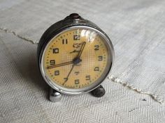Rare industrial desk clock Picasso Peace Dove Rustic mechanical alarm clock Retro home decor Metal wind up alarm clock Soviet vintage 50s