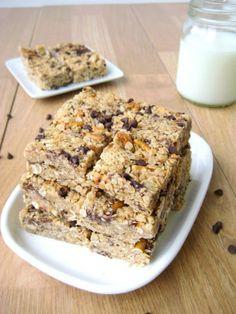A simple no bake customizable granola bar recipe!