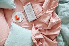 The Simple Linen Bedding Collection is the epitome of luxury. Made of Belgian linen, finished, woven and stonewashed in Portugal, the collection has a relaxed, lived in look.