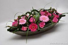 Arte Floral, Deco Floral, Floral Design, Floral Centerpieces, Floral Arrangements, Centrepieces, Pink Gerbera, Flower Festival, Valentines Flowers