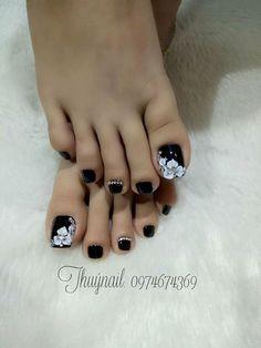 Ideas for nails art summer toenails Pedicure Designs, Pedicure Nail Art, Toe Nail Designs, Toe Nail Art, Pretty Toe Nails, Cute Toe Nails, Glam Nails, Feet Nail Design, Summer Toe Nails