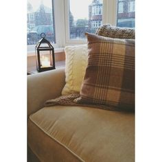 Cosy Cosy, Throw Pillows, Living Room, Bed, Cushions, Decorative Pillows, Living Rooms, Decor Pillows, Drawing Rooms
