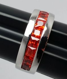 Stunning-Costume-Ring-Silvertone-Band-with-Red-Rhinestones-Size-8