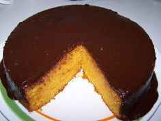 Receitas práticas de culinária: Bolo rápido de cenoura com cobertura de chocolate