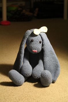 O wat mooi!!! One Skein Bunny Rabbit by Deb Richey - FREE from Caron/Rav. Thanks…