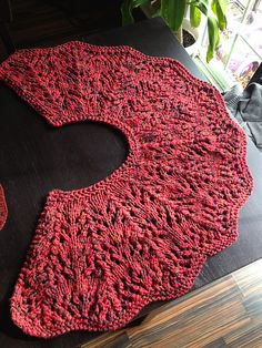 Ravelry: Project Gallery for Whitney Shawl pattern by Whitney Heim