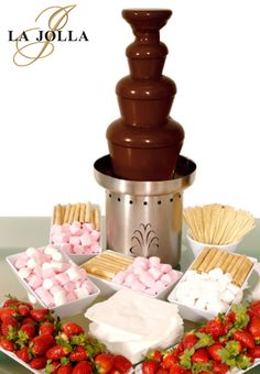 All you need is love, but a little chocolate doesn't hurt! Our delicious chocolate fountain station includes fresh strawberries, lady fingers, marshmallows, assorted cookies and seasonal fruit.