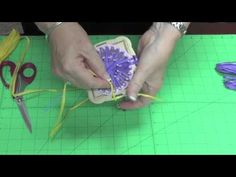 Hana Ami Flower Loom using raffia from Herrschners