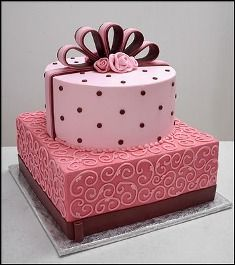 pink and brown cake Pretty Cakes, Cute Cakes, Beautiful Cakes, Cake Decorating Courses, Birthday Cake Decorating, Fondant Cakes, Cupcake Cakes, Birthday Cake Ideas For Adults Women, Wedding Anniversary Cakes