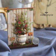・  ・  《パティオの鉢植え》  ・  彩りの草花を鉢植えしました✨  ・  パティオの隅にあるような癒しのある鉢植えです❤️✨  ・  ネットショップ出品中です