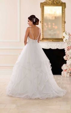 Style 6581 from Stella York. See more wedding dress inspo on WeddingWire! dresses classic princesses Wedding Dress out of Stella York - 6581 Top Wedding Dresses, Lace Wedding Dress, Princess Wedding Dresses, Stella York Wedding Gowns, Stella York Bridal, Tulle Ball Gown, Ball Gowns, Tulle Lace, Bridal Gowns