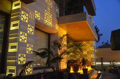 1_Backlit Panels