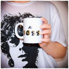 Who is the boss in your family? #pampeli #ceramicmug #theboss #drinkware #foryourdesk