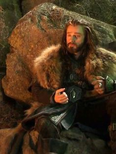 Thorin with only one of his dwarf hands :)