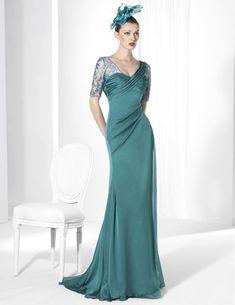 Vestido de fiesta largo confeccionado en Crep y Gasa color esmeralda.   Franc Sarabia Colección 2015