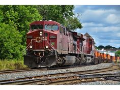 CP 8569 (AC44CW) leads an intermodal west out of the CP yard in London, Ontario - by Eric Geissinger - 9 july 2014