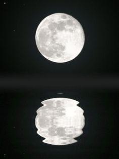 moon on lake mobile phone wallpapers