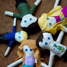 Custom family dolls, with link to free pattern!