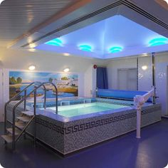 Small swimming pool designed for private home. luxury house does not feel complete without a swimming pool in it. Pool boxes can also be a. Swimming Pool House, Indoor Swimming Pools, Swimming Pool Designs, Pool Pool, Lap Swimming, Pool Backyard, Garden Pool, Small Indoor Pool, Ideas De Piscina