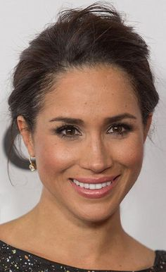 Megan Markle, African-American female celebrity actress portrait photograph #famous_people #headshot T: meghanmarkle