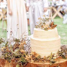 ナチュラルでおしゃれ♩念願が叶った最高に美味しいウェディングケーキ♡   HANAPLA [ハナプラ] Flower Cake Decorations, Table Decorations, Banquet, Dried Flowers, Truffles, Vanilla Cake, Cake Decorating, Wedding Cakes, Party