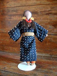 Native American Doll beaded - Lakota Sioux made Native American Dolls, Native American Crafts, Native American Indians, Native Indian, Native Americans, Sioux, Indian Dolls, Native Design, Indian Crafts
