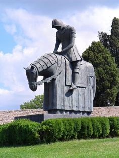 """Statue of St. Francis as the """"Knight-He-Dreamed-to-Be""""--Assisi, Italy St Francis, Garden Sculpture, Knight, Buddha, San Francisco, Italy, Statue, Places, Outdoor Decor"""