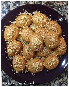 christmas cookies traditional Weihnachtspltzchen Melomakarona {Traditional Greek Christmas Cookies} For the Love of Feeding Greek Sweets, Greek Desserts, Köstliche Desserts, Delicious Desserts, Dessert Recipes, Recipes Dinner, Albanian Recipes, Turkish Recipes, Greek Recipes
