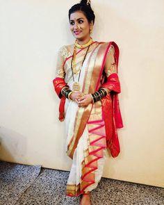 Marathi Nath, Marathi Saree, Marathi Bride, Marathi Wedding, Saree Wedding, Wedding Saree Blouse Designs, Blouse Designs Silk, Saree Blouse Patterns, Saree Draping Styles