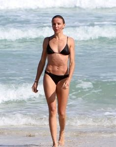 Athletic Cameron Diaz - far straighter hips, flatter bum and less defined waist.