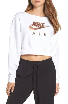 Shop a great selection of Nike Air Rally Crew - Fashion Women Activewear. Find new offer and Similar products for Nike Air Rally Crew - Fashion Women Activewear. Sporty Outfits, Nike Outfits, Fashion Outfits, Womens Fashion, Fashion Trends, Ladies Fashion, Fashion Fashion, Sweatshirts Nike, Nike Trainer