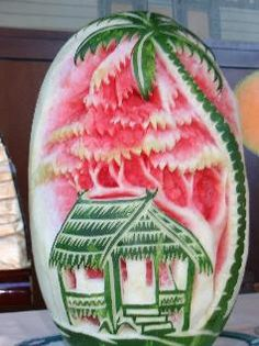 esculturas frutas e legumes takashi itoh Fruit Sculptures, Food Sculpture, Veggie Art, Fruit And Vegetable Carving, Watermelon Art, Watermelon Carving, Carved Watermelon, Bonbon Fruit, Fruits Decoration