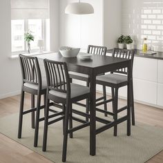 EKEDALEN / EKEDALEN Bar table and 4 bar stools, brown, Orrsta light gray. The spacious bar table top gives plenty of space for eating, socializing but also for working. The look and finish of this bar table work well both in kitchens and dining rooms. Table Haute Ikea, Bar Table Ikea, Diy Table, Bar Tables, Bar Height Dining Table, Bistro Tables, Patio Bar Set, Pub Table Sets, Bar Chairs
