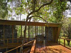 Architect Visit: Casa Kike Writer's Retreat by Gianni Botsford Frank Lloyd Wright, Deck Design, House Design, Outdoor Spaces, Outdoor Living, Wooden Decks, Wooden Houses, Architect Design, My Dream Home