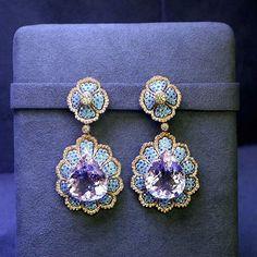Amazing #buccellati #earrings #jewelry#jewellery#gold #gemstone #diamond #handmade #mariigem #design #amazing #cute #love #beautiful #beauty #happy #instagood #instalike #follow #followme #like4like #instamood#bestoftheday #life#luxury #emerald #amethyst #brooch #me #paris