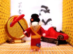 Asia the Geisha Mouse Needle Felted Mouse by ThreeLittleCatsShop