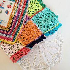 Just look what I found !! I made this white mandela when I was a young girl 😅🙆🍃💕💜 #mandela #crochet #colorful #vintagestyle #bohostyle #grannysquarerocks #grannysquare #instacrochet #lovecrochet #homedesign #mydesign #haken #hakenenmeer #kleurrijk #witmetkleur