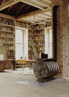Love the book shelf Office Interior Design, Office Interiors, Interior Design Inspiration, Industrial Interiors, Vintage Industrial, Backyard Studio, Built Ins, New Homes, House Design