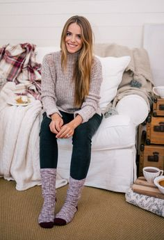 32 Ideas Comfy Stylish Winter Outfits Work, There are assorted types of outfits on the market for plus size women. They are one of the best ways of recognising one's fashions sense. There are ma. Stylish Winter Outfits, Casual Outfits, Cozy Outfits, Comfortable Outfits, Pyjamas, Socks Outfit, Gal Meets Glam, Home Outfit, Preppy Style