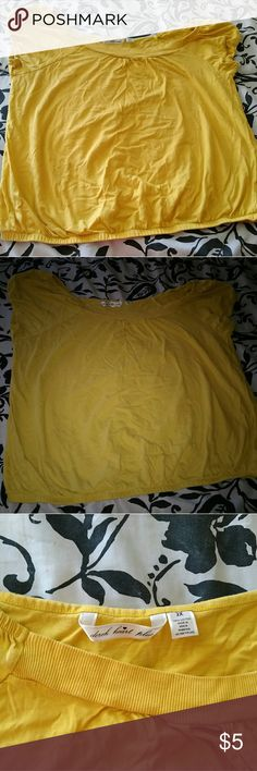 Yellow Short Sleeve Shirt Plus Size Condition: Like New, wore 1 time Brand: Derek Heart Plus Size: 2X  This is a nice shirt to go out in on a evening stroll, to the gym or to the beach. It is loose fitting and comfortable and is a pretty yellow color! Derek Heart Tops Tees - Short Sleeve