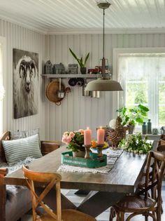 Pusse opp kjøkken - Inspirasjon Kitchen Stories, House Goals, Living Room Decor, Table Settings, Dining Table, Table Decorations, Ikea, Instagram Posts, Furniture