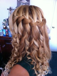 Thankswaterfall braid+curls. I super puffy heart this @Brittany Horton Horton Wallace Can u do this to Elenis hair for a wedding in May?!? awesome pin