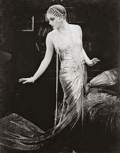 Lili Damita in the Austrian silent film Das Spielzeug von Paris (English: Red Heels), directed by Michael Curtiz, Belle Epoque, Vintage Glamour, Vintage Beauty, 1920s Glamour, Vintage Vogue, Anos 20s, Style Année 20, 1920s Style, Foto Top
