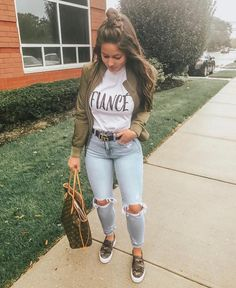 30 Totally Awesome Jeans Oufits Ideas – Muah Club Source by kidsroomideasnet outfits jeans Outfit Jeans, Jean Jacket Outfits, White Chucks Outfit, Checkered Vans Outfit, Mode Outfits, Fashion Outfits, Womens Fashion, Fashion 2018, Ladies Fashion