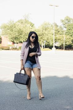 How to style a blazer during summer - topshop blazer, asos cami, levis distressed shorts - summer outfit Curvy Fashion Summer, Curvy Girl Fashion, Look Fashion, Fashion Outfits, Fashion Hacks, Fashion Ideas, Womens Fashion, Curvy Outfits, Short Outfits