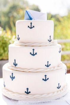 Weddings Food Cake in maritime style with anchor. Nautical Wedding Cakes, Nautical Cake, Beautiful Cakes, Amazing Cakes, Naked Cakes, Torte Cake, Summer Cookies, Sweet 16 Parties, Fancy Cakes